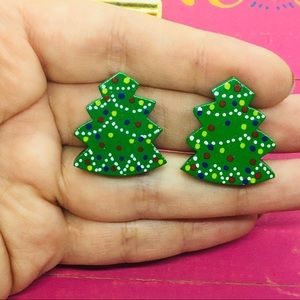 Wooden Christmas tree vintage clips